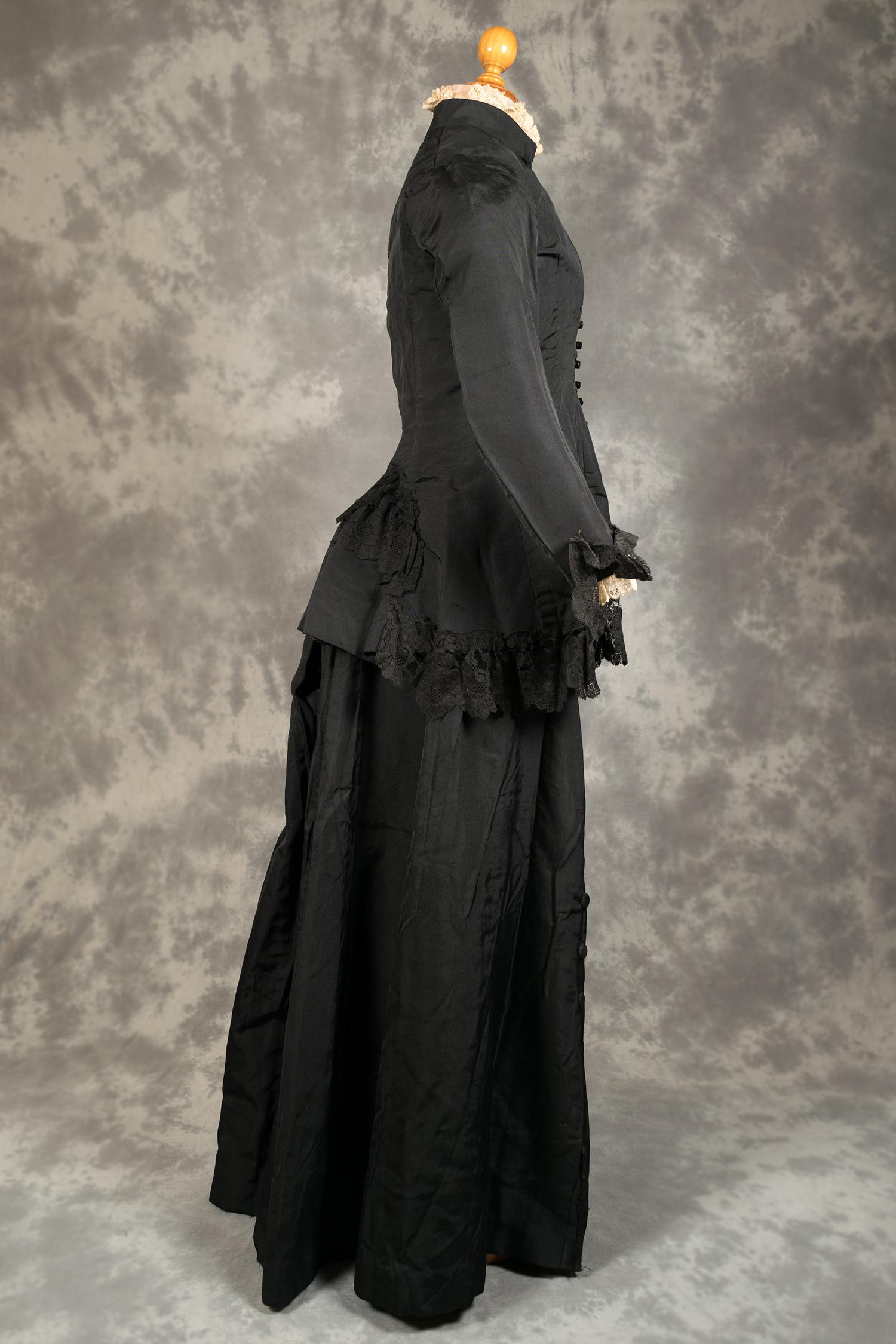 Resultat d'imatges de nuvia de color negro modistes museu d'història