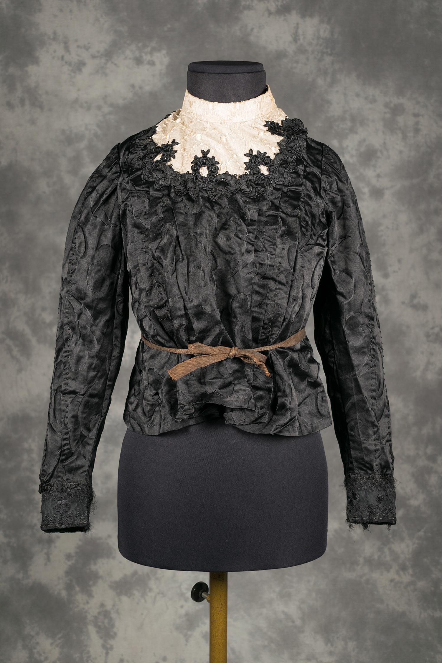 De Cuerpo Satén Motivos Vestido Negro VegetalesMuseu Con qUzMSVGp